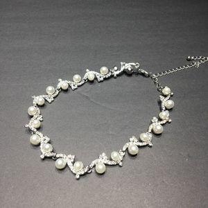 Monique pearl necklace